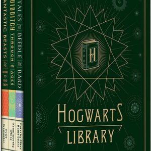 Hogwart's Library + Harry potter Spellbook